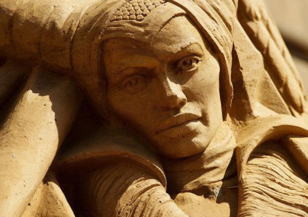 В Петербурге начался фестиваль песчаных скульптур, посвященный истории РФ