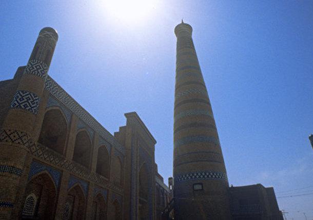 Узбекистан заинтересован в наращивании взаимного турпотока с Петербургом